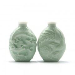 ROCOCO SNUFF BOTTLE Celadon dragon and phoenix relief  screw cap good sealing